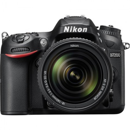 Nikon D7200 KIT with AF-S 18-105mm VR